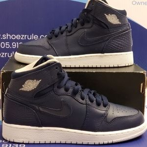 Air Jordan 1 Retro High Kids Size 5y